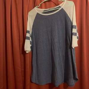 3/4 sleeves blue and white shirt